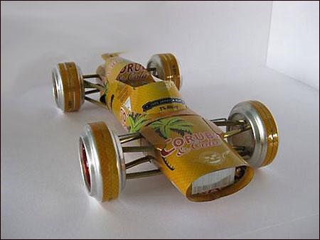 废旧易拉罐和细铁丝 纯手工打造汽车模型