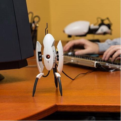 USB桌面防御机器人