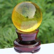 黄水晶球的摆放与家居风水作用